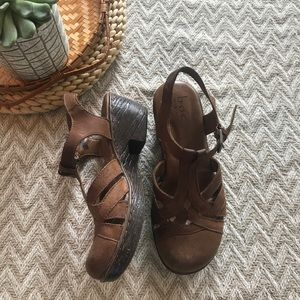 Born concept brown leather Mary Jane clogs size 7